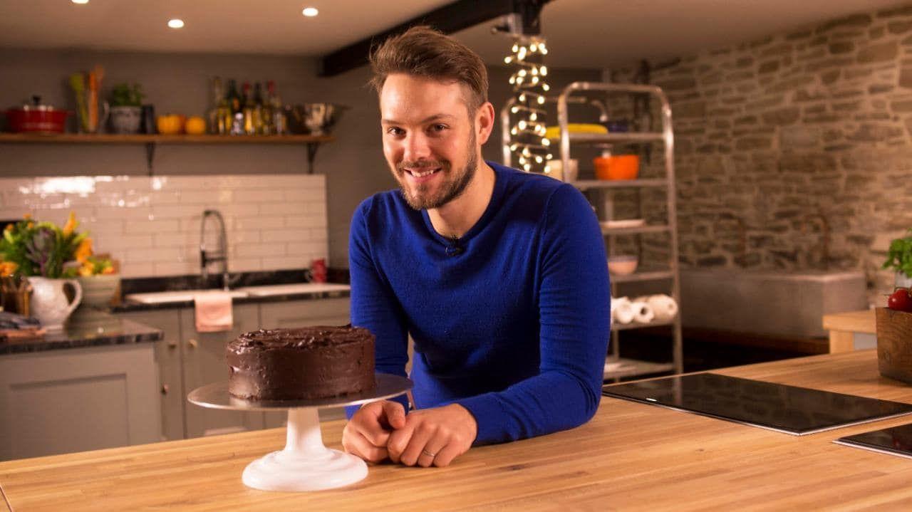 John whaites secret ingredient chocolate fudge cake