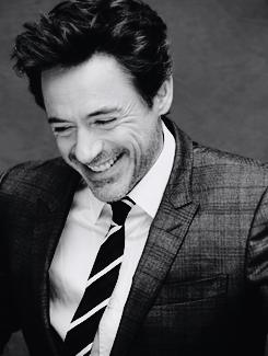 Robert Downey Jr Iron Man Sherlock Nice To Look At And I Love His Deep Voice Acting Ain T Bad Either Robert Downey Jr Downey Junior Downey