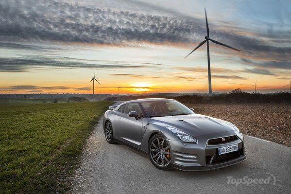 2013 Nissan GT-R Euro-Spec Laps Nurburgring in 7:18