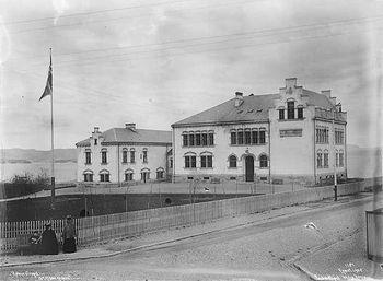 Holmestrand offentlige lærerskole - lokalhistoriewiki.no