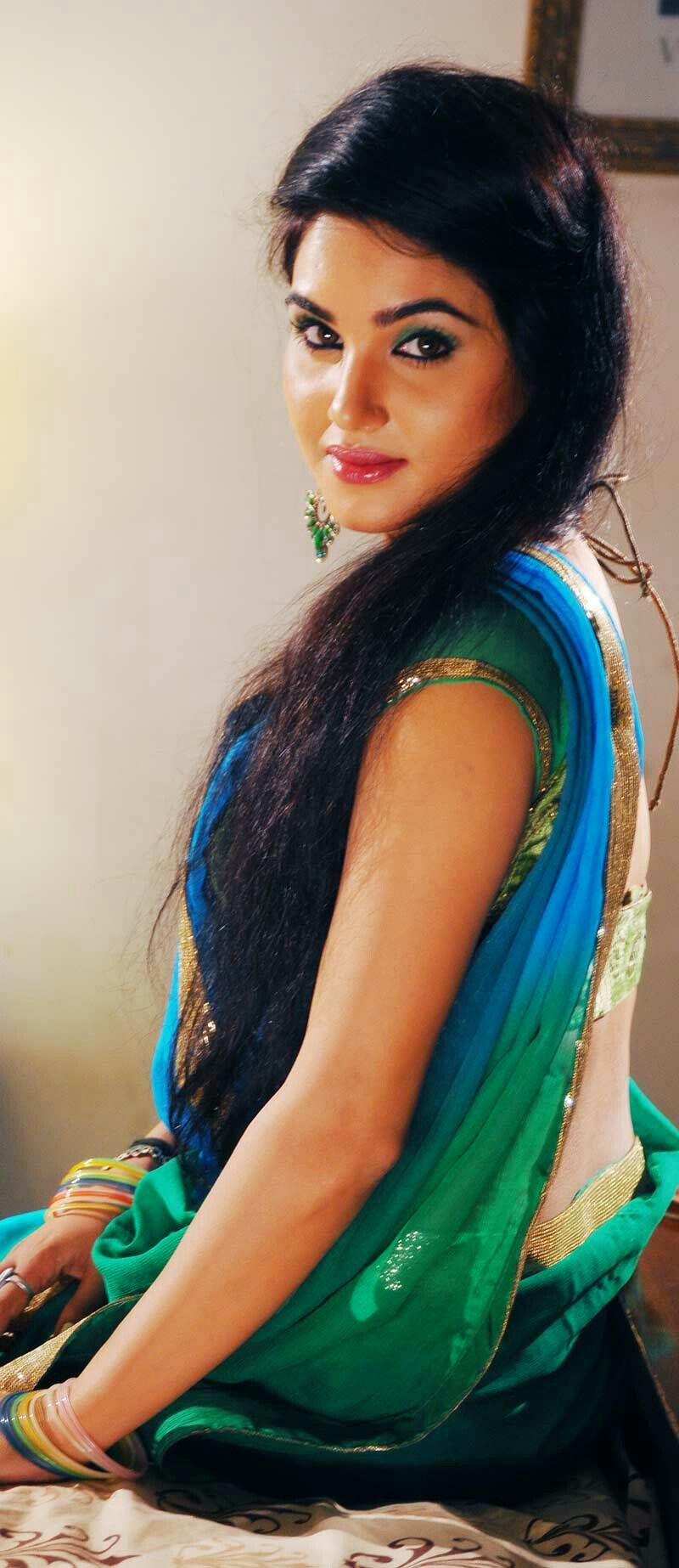 Pin by Kavya Singh on Hot Actresses in Saree | Hot blouse ...
