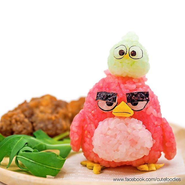 Angry Birds rice balls หน้าเครียดเชียว #angrybirds #movies #riceball #onigiri…