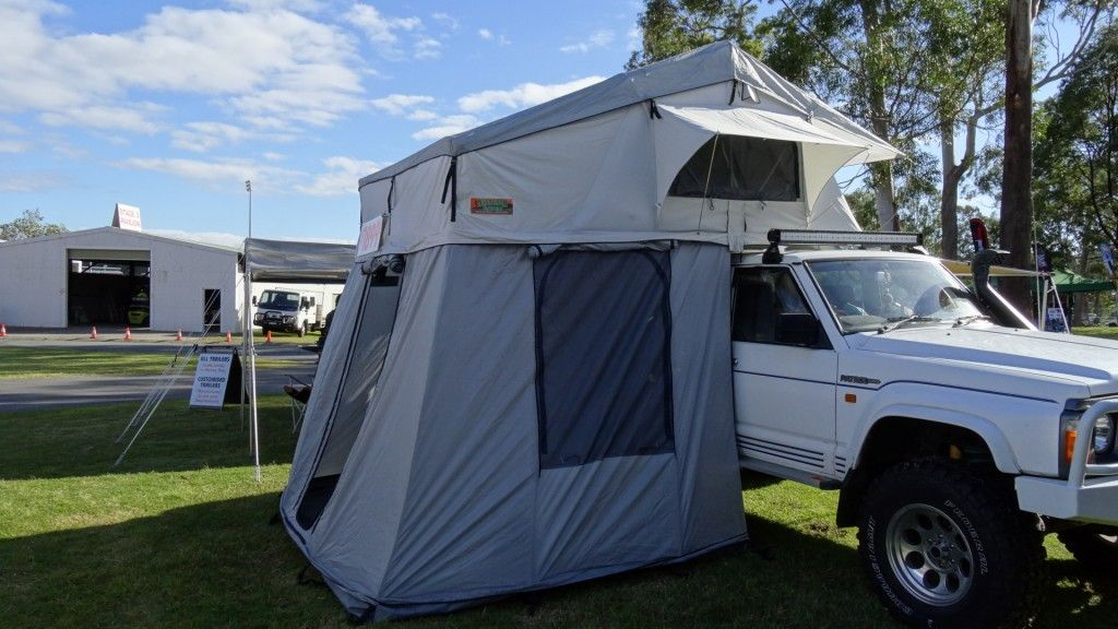 SUPERIOR XL Roof Top Tent 2.2m2,199 in 2020 Roof top