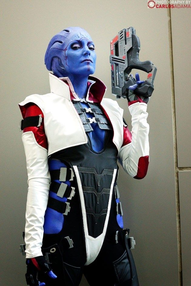 Aria T'Loak (Mass Effect) Cosplayed by Space Lion Cosplay, photographed by