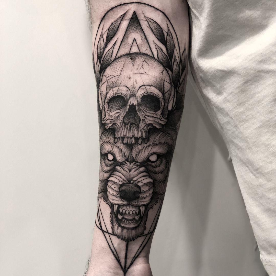 Chronic Ink Tattoo Downtown Toronto Blackwork Tattoo Sebastian Bear Skull Tatuagem