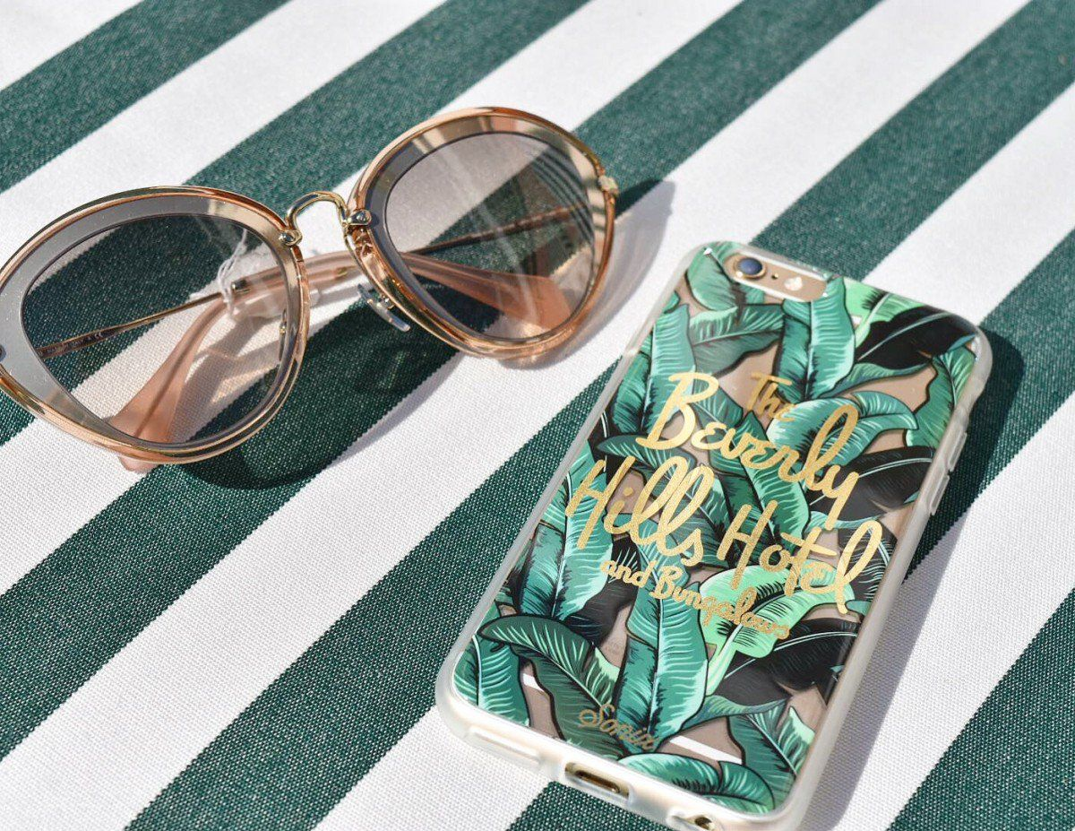 This Sonix IPhone 6 Phone Case Is Inspired By The Iconic Martinique Wallpaper From Beverly Hills Hotel Dimensions X Manufacturer A Little Bit