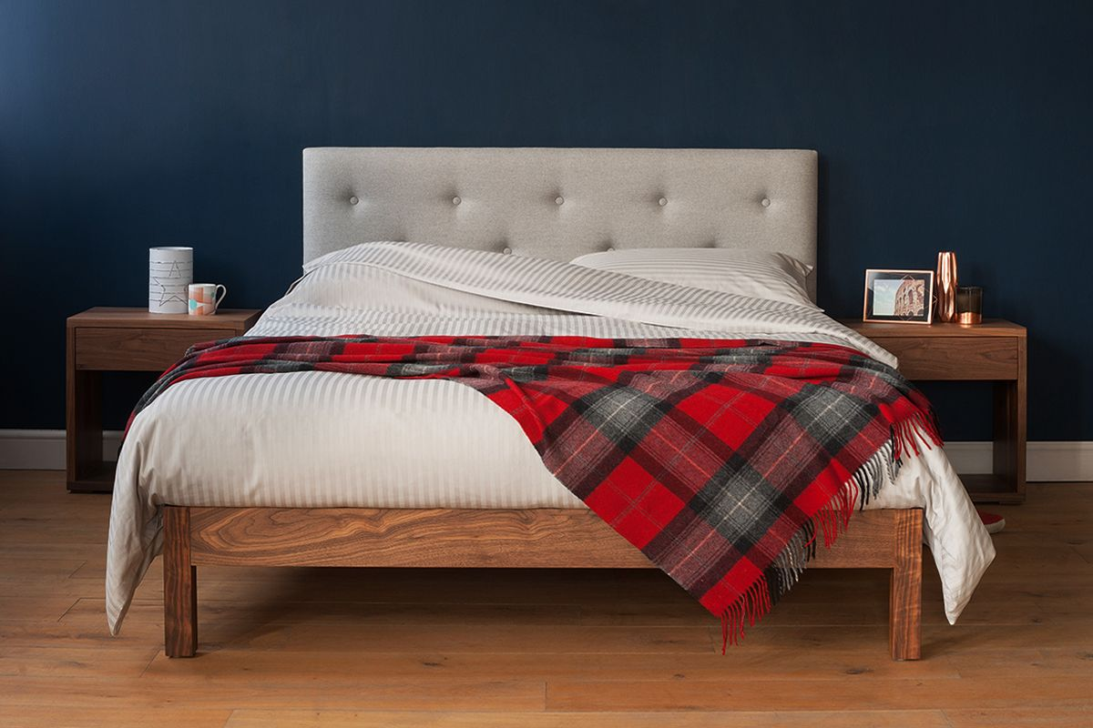 Arran Bed Egyptian Cotton Bedding And Red Check Throw