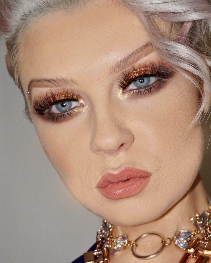 abend make up helle haut und blonde haare mit hellen farben