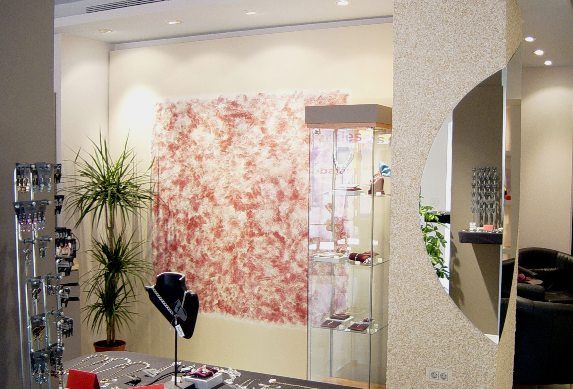 Raw Interiors Marbella : Main display for a fashion accessories boutique in marbella spain