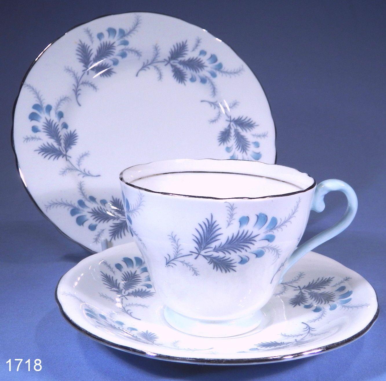 Aynsley Las Palmas Vintage Bone China Tea Trio Cup Handle Is