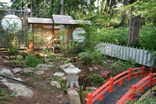 Back yard japanese gardens designs exotic japanese for Small japanese garden designs