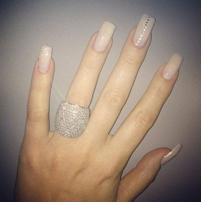 Khloe Kardashian nude nails - The Best Celebrity Nail Designs – DIY Nail Art  | OK! Magazine - Khloe Kardashian Nude Nails - The Best Celebrity Nail Designs – DIY