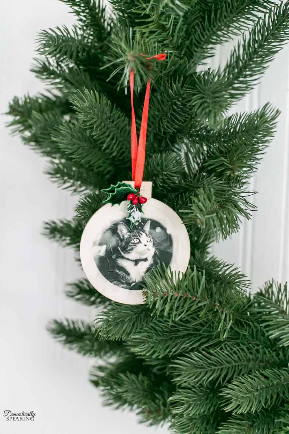 Diy Tissue Paper Printed Christmas Ornaments Paper Christmas Ornaments Christmas Ornaments Christmas Ornaments To Make