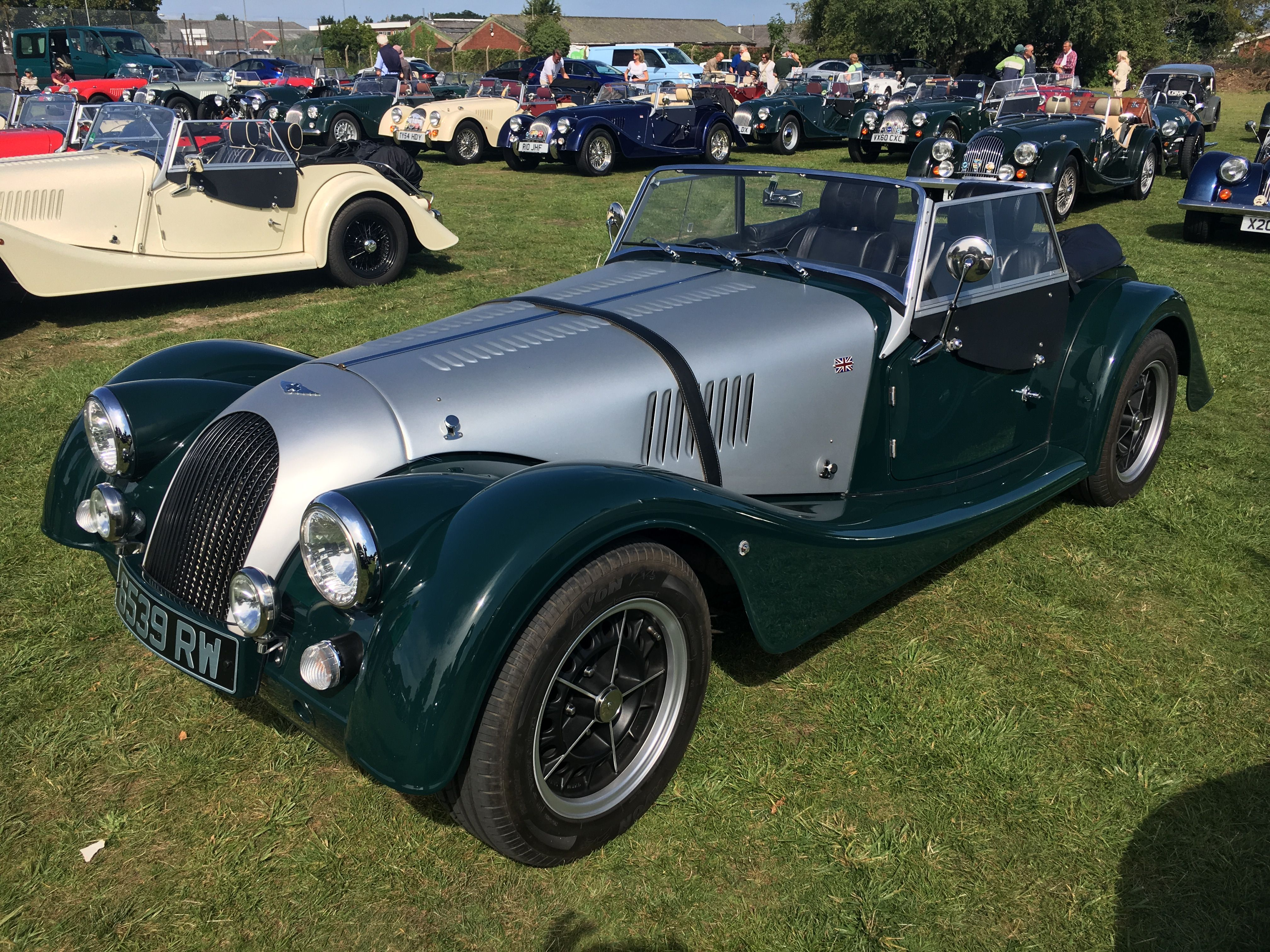 Pin by James Backhouse on Morgan cars - two tone colours | Pinterest ...
