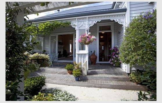 Gorgeous 1900s Villa Cambridge New Zealand Bungalow Villa