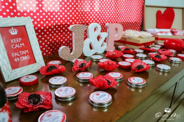 Inspiraç u00e3o Decoraç u00e3o vermelha, Chás de panela e Panelas -> Decoração De Cha De Panela Vermelho E Branco Simples