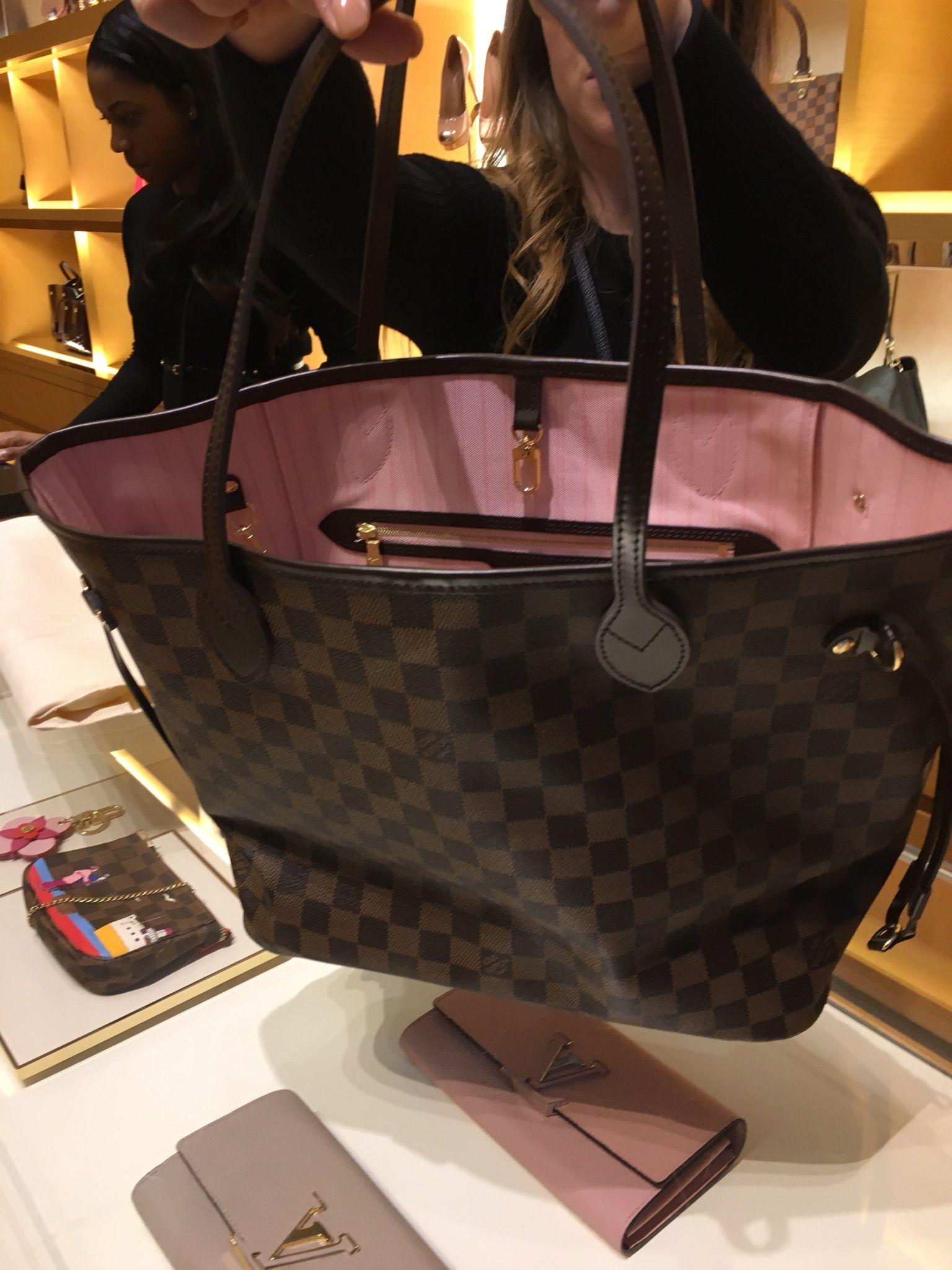 Neverfull Mm Damier Ebene Ballerine Pink Interior Louis Vuitton Bag Neverfull Louis Vuitton Louis Vuitton Neverfull Mm