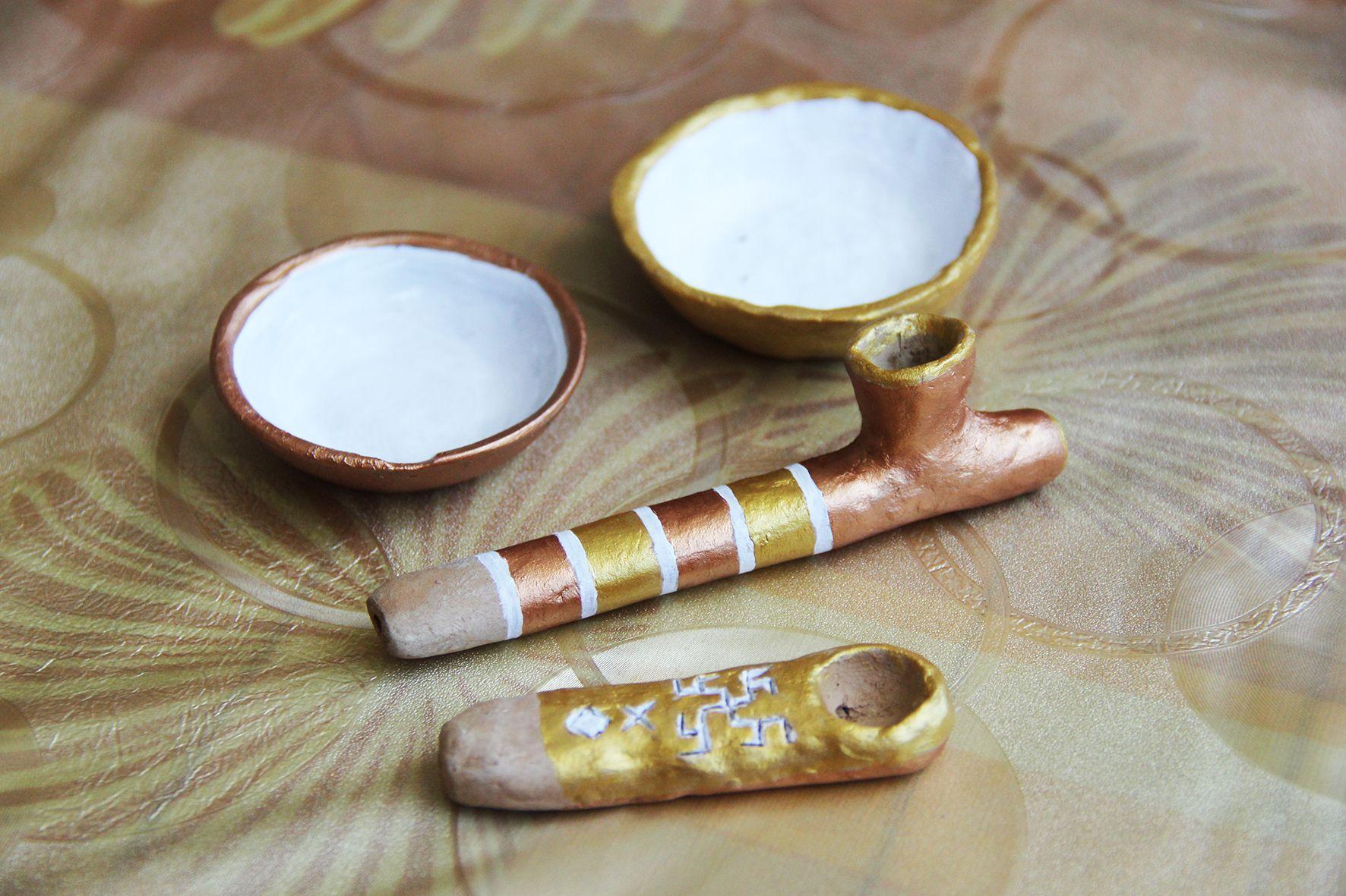 Соусницы и курительные трубки. Ручная работа. Фото: Evgenia Shveda