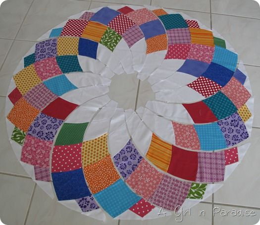 A Girl In Paradise Giant Dahlia Quilt Progress In