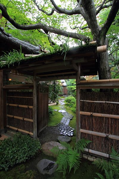 Teahouse in Kyoto, Japan I would love to have a feature like this in my garden.