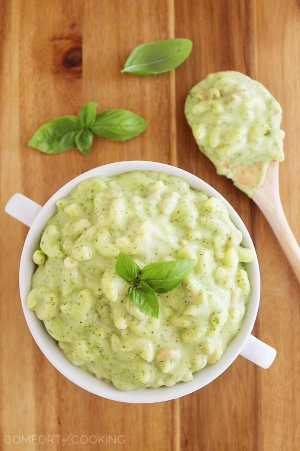 The Comfort of Cooking » Stovetop Spinach Basil Pesto Mac and Cheese