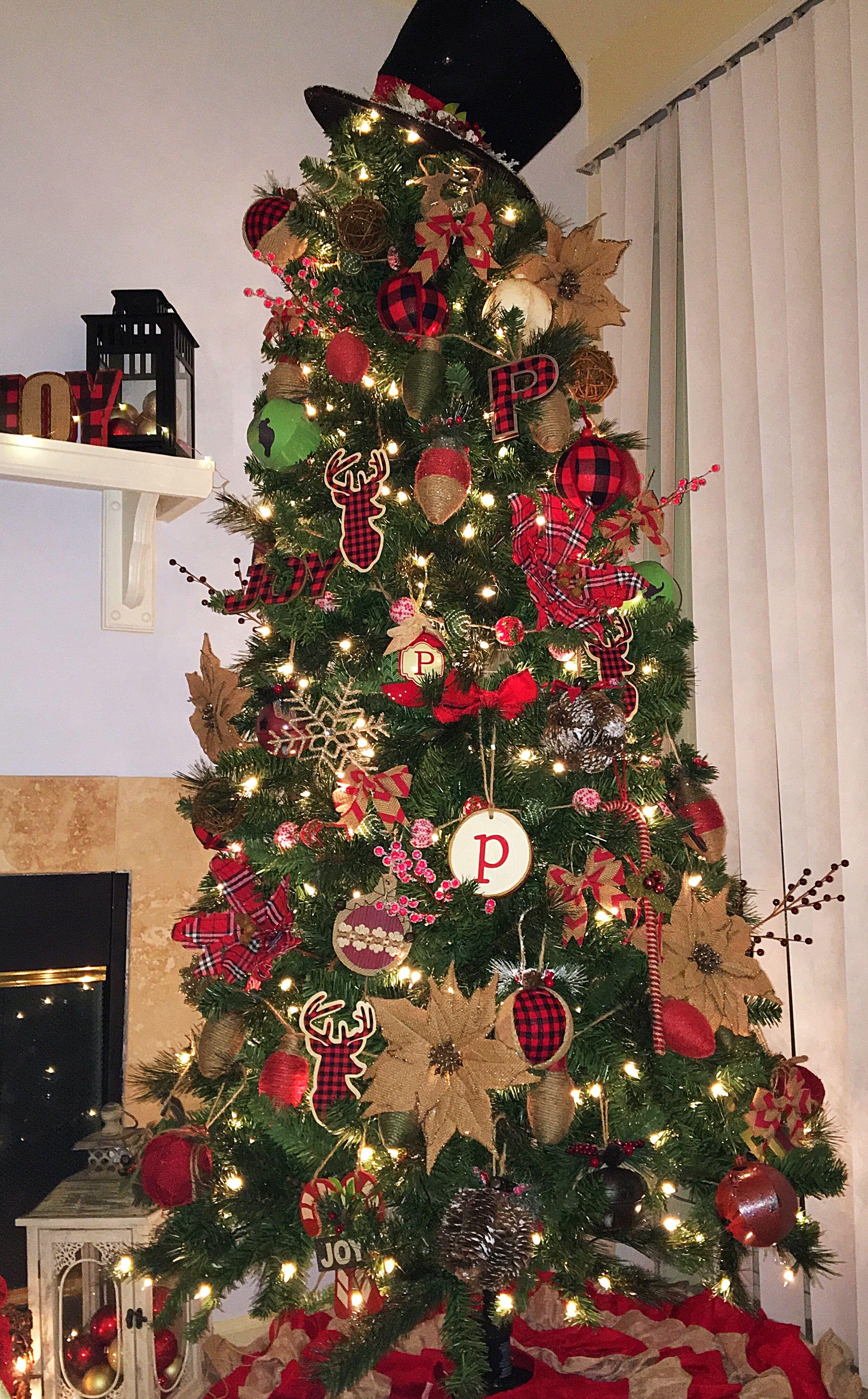 Plaid Christmas Tree Rustic And Buffalo Plaid Christmas Tree Buffalo Plaid
