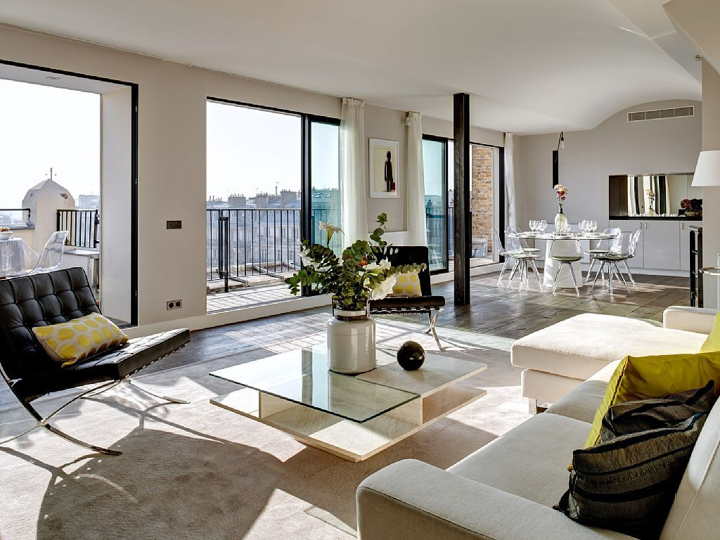 The Parisian Apartment A Sunny Escape Style Mind Chic Luxury Apartments Home Apartment Decor