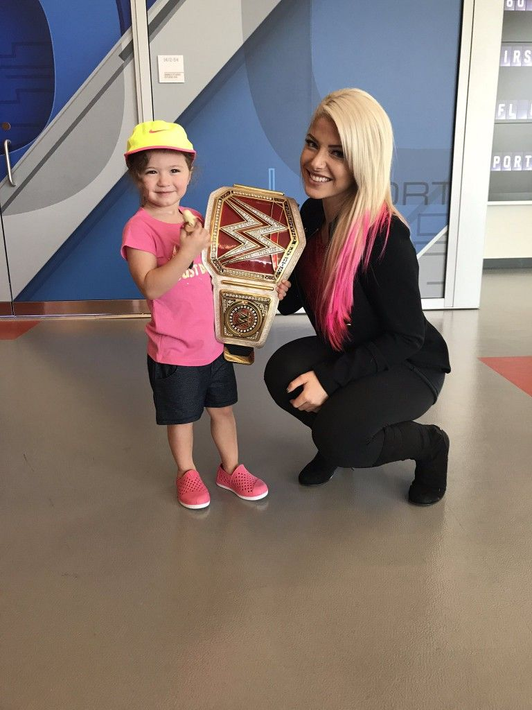 Alexa Bliss Encourages WWE Fan Suffering From Eating Disorder 1