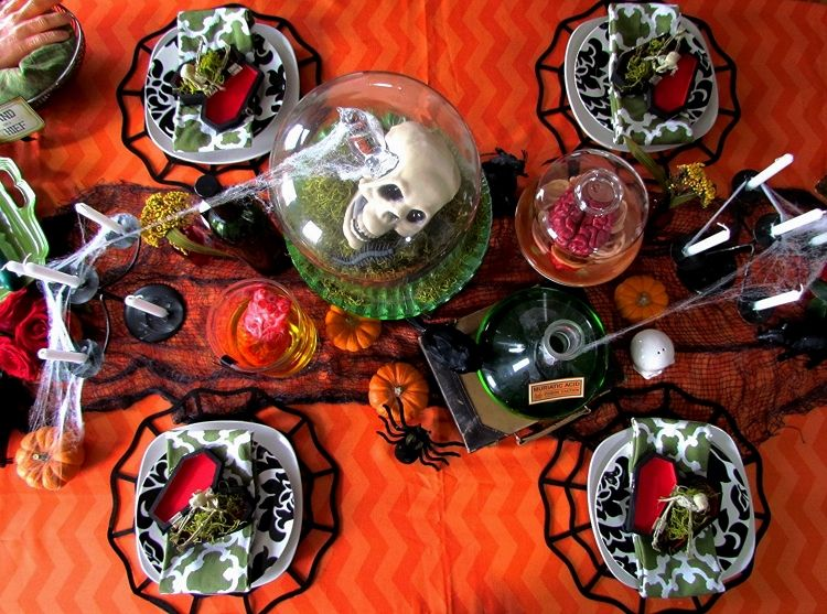 Halloween Tablescape - Gypsies Crafts & Treats