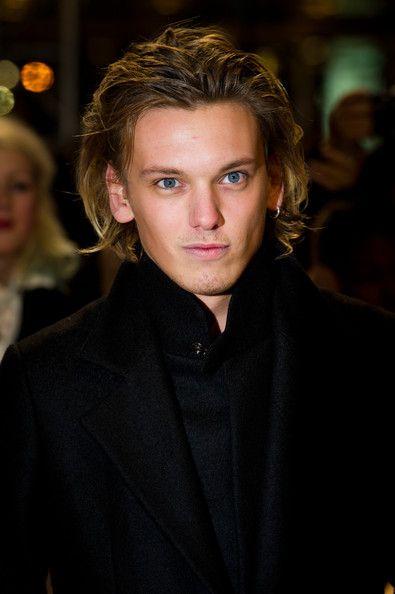 Jamie Campbell Bower Photos Photos The Twilight Saga Breaking Dawn Part 1 Uk Premiere Men S Long Hairstyles Long Hair Styles Men Long Hair Styles