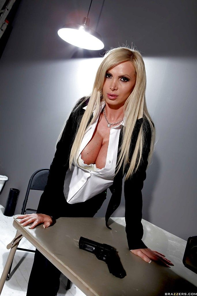Nikki Benz Agent