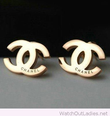 chanel gold stud earrings design coco chanel logo earrings pinterest gold studs gold and. Black Bedroom Furniture Sets. Home Design Ideas