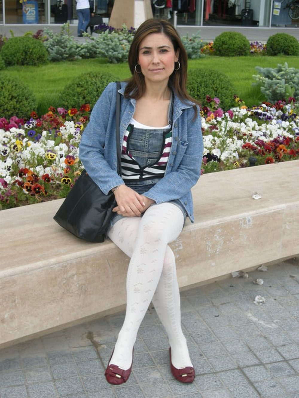 White jeans and pantyhose