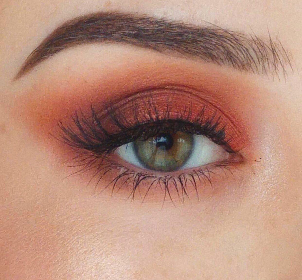 Gorgeous Burnt Orange Brown Eyeshadow Look With Winged Extended