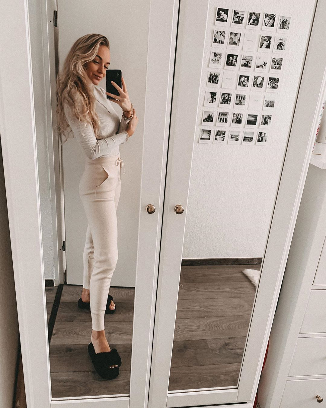 """@enni_nea on Instagram: """"Cozy 💭 . . . . . . . . . . . . . . . . #outfit #classy #lookoftheday #outfitpost #cgn #cologne #discoverunder100k #photography #inspo…"""""""