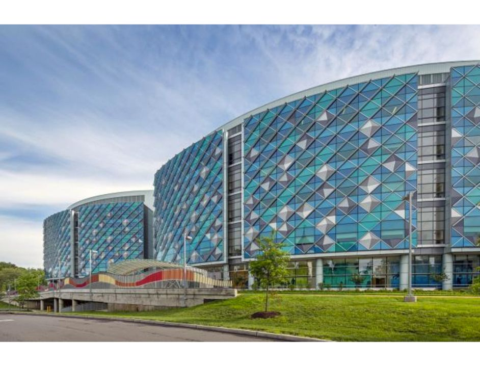 Gallery Of Blue And Green Performance Tinted Glass 3 Architecture Exterior Facade Architecture Tints