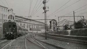 Trem Gualixo nas proximidades da Luz. Anos 1950