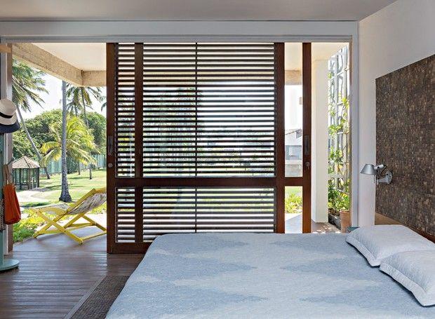 Mobili Rampazzo ~ Casa à beira mar mistura cimento madeira e vidro doors