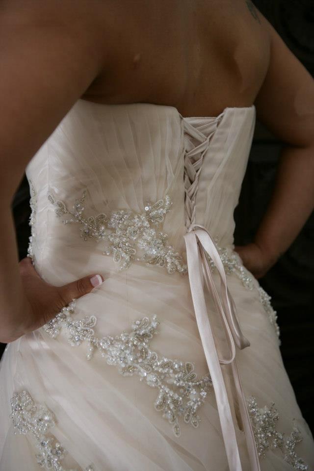 Pormenores do meu vestido de casamento, by Benjamins Roberts