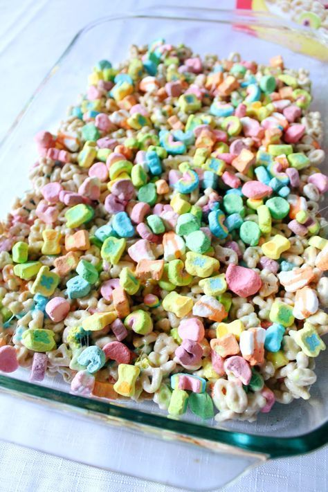 Lucky Charms Unicorn Treats  Cereal Con Cariño Rainy Day Activity - Unicorn themed birthday party, Unicorn treats, Unicorn themed birthday, Girls birthday party, Unicorn party, Birthday treats - With Dia Del Niño coming up, whip up a batch a yummy batch of Lucky Charms Unicorn Treats with your child! It's cereal con cariño!