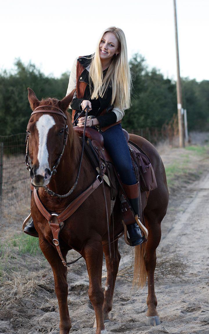 Riding a horse fashionably | Fashion | Pinterest | Horse ...