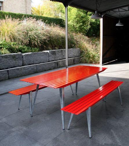 Metal Outdoor Furniture From Metall Werk Zurich Design From Samuel Fausch Aussenmobel Moderne Gartenmobel Gartenmobel Tisch