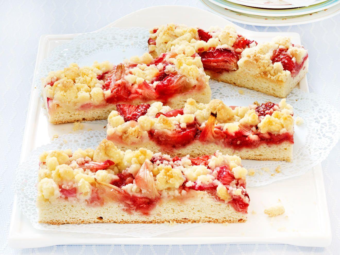 Rhabarberkuchen Fruchtig Und Frisch Lecker Rhabarberkuchen Und Backrezepte