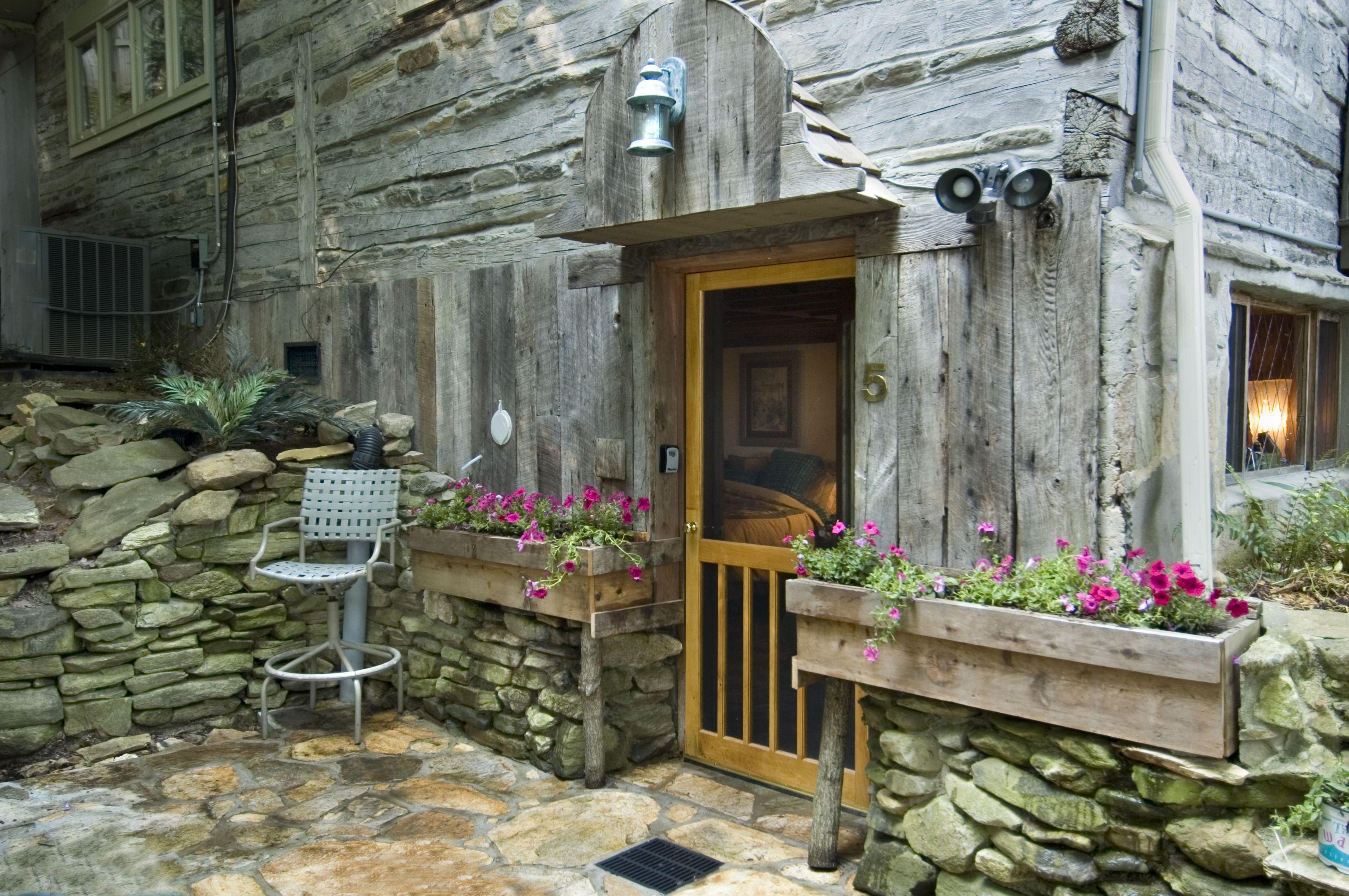 West Oak Bed & Breakfast Room 5 Entrance Bryson city