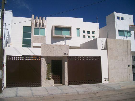 resultado de imagen para fachadas de casas modernas de dos pisos en mexico