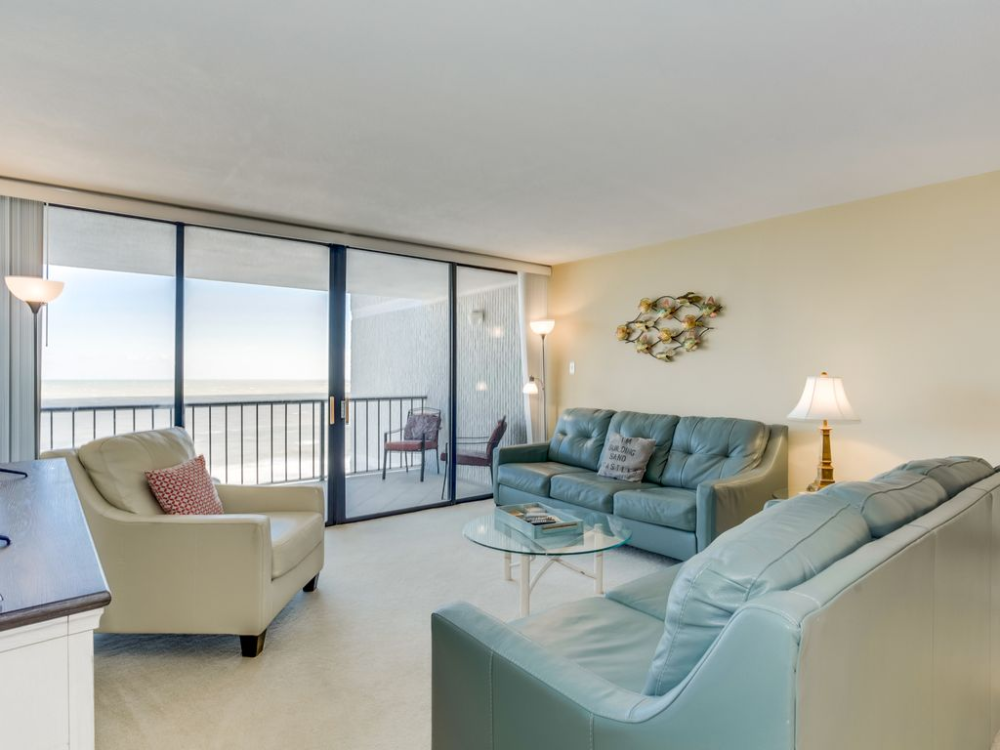 2 Bedrooms 2 Baths Sleeps 6 59 Avg Night Myrtle Beach Amenities Include Swimming Pool Air Conditioning I Oceanfront Condo Myrtle Beach Condos Condo