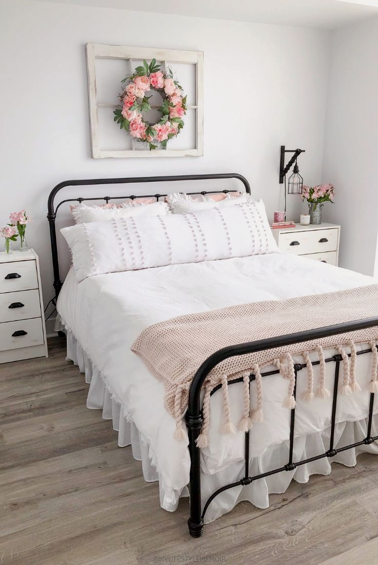 30 Chic Rustic Bedroom Ideas is part of  - From rustic looking beds to plain classy beds with wooden details around them, these chic rustic bedroom ideas have it all!