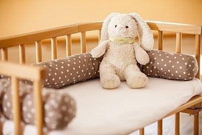 Ce original babybett nestchen schlange für babybay by gruenwalds