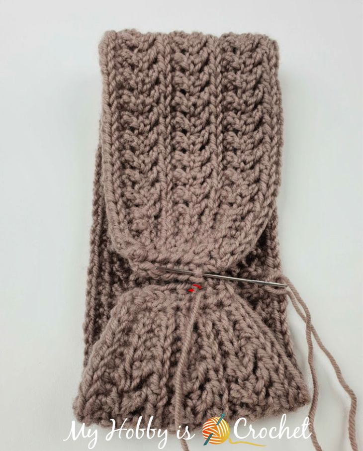 Chic Aran Headband / Earwarmer - Free Crochet Pattern #crochetedheadbands