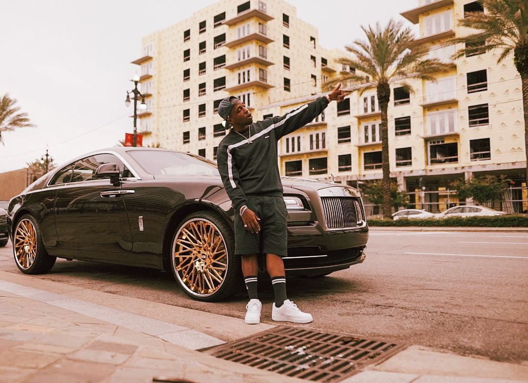 Curren Y Chilling Next To His Rolls Royce Wraith Street Smart